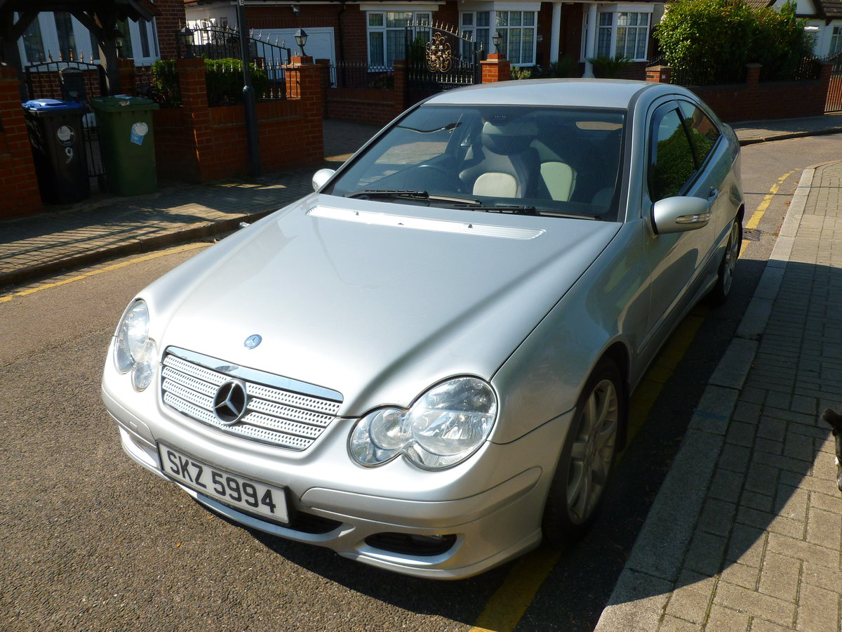 2007 MERCEDES 220 CDI DIESEL AUTO 3 DOOR COUPE London For Sale (picture 1 of 6)