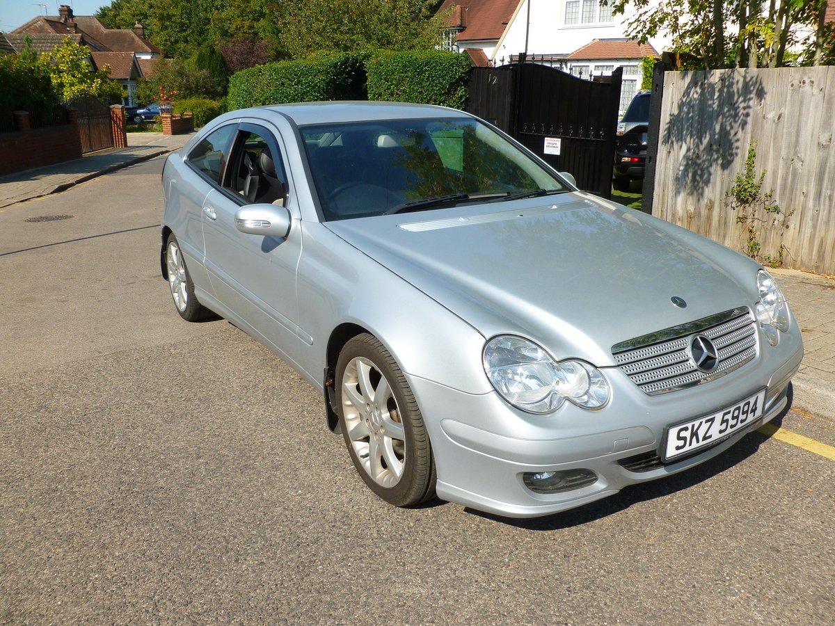 2007 MERCEDES 220 CDI DIESEL AUTO 3 DOOR COUPE London For Sale (picture 2 of 6)