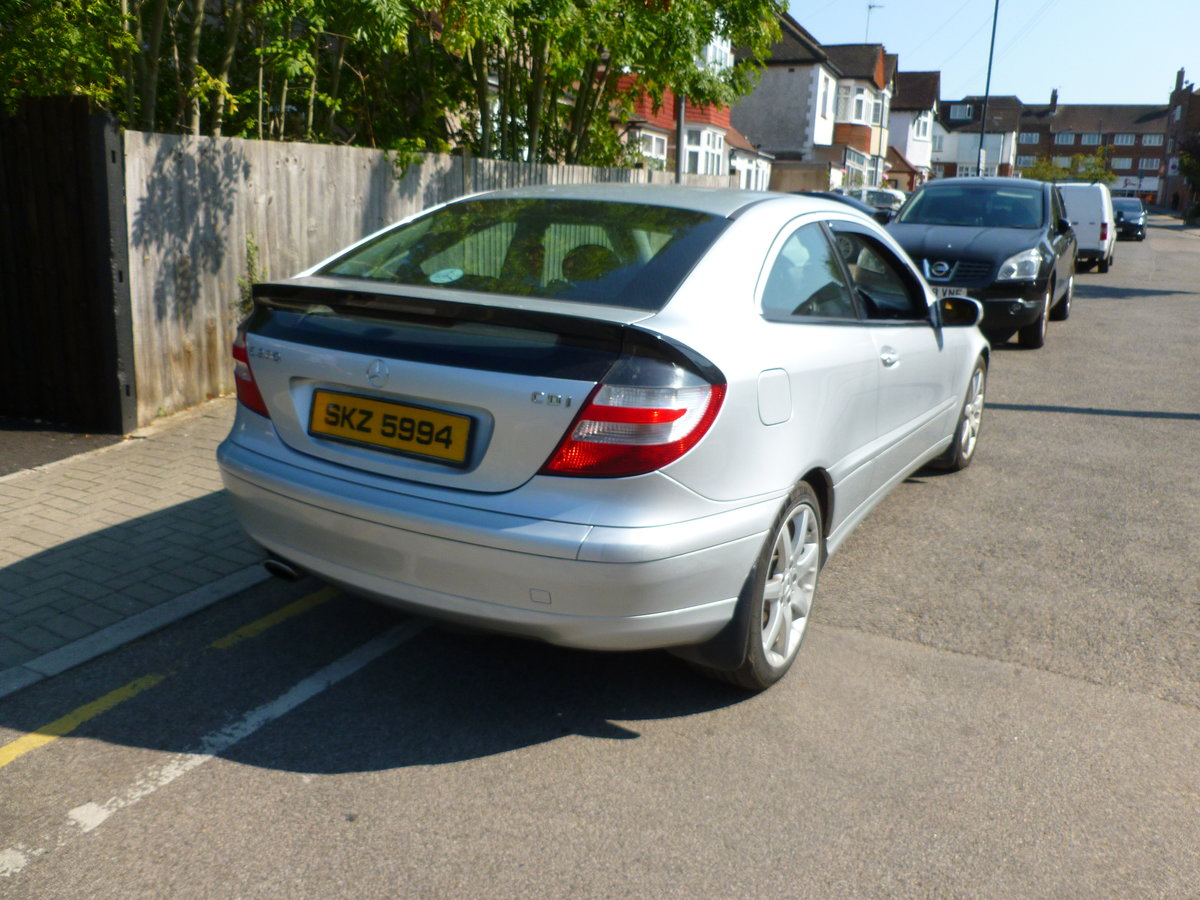 2007 MERCEDES 220 CDI DIESEL AUTO 3 DOOR COUPE London For Sale (picture 3 of 6)