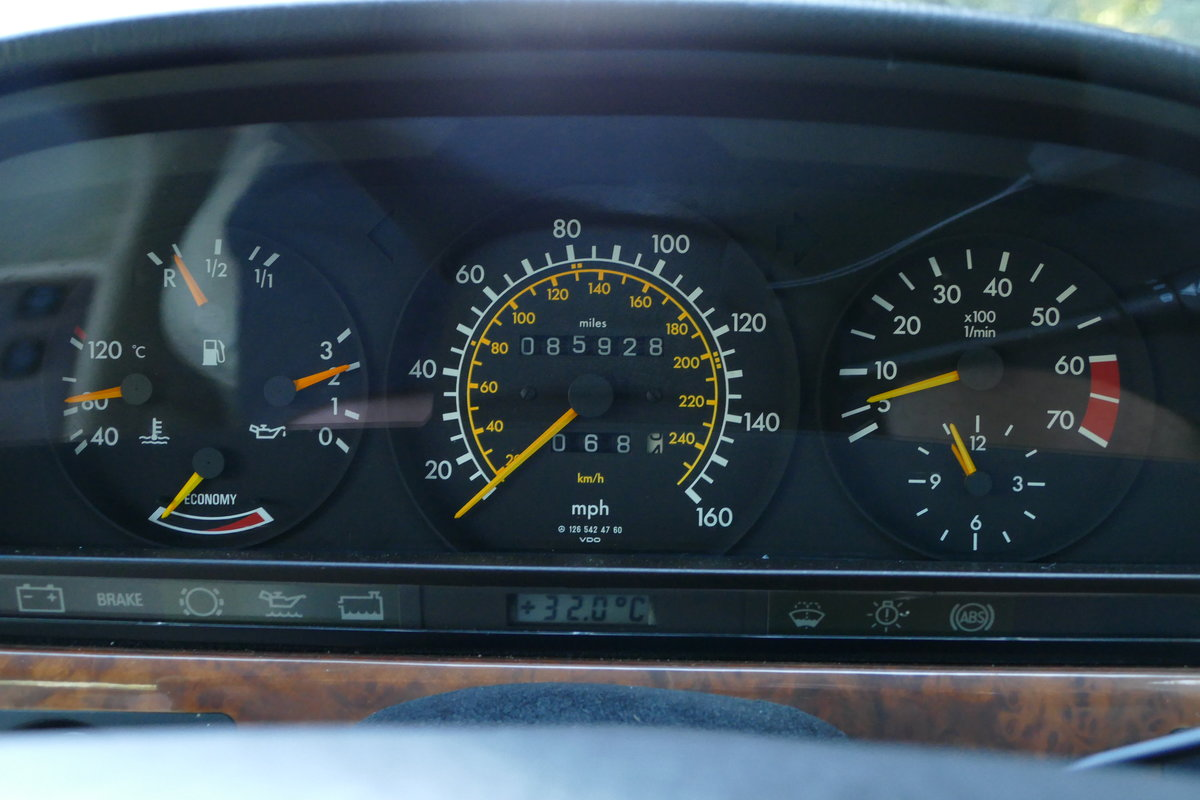 1990 Mercedes-Benz 420 SE W126 with just 85,926 miles. For Sale (picture 6 of 6)