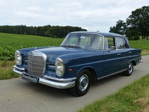 1964 Mercedes-Benz 220 SE b - discreet elegance and lots of space For Sale