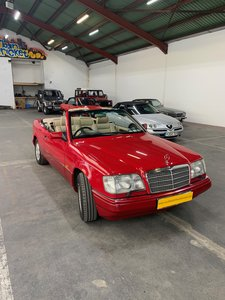 1994 Mercedes e220 convertible (w1240