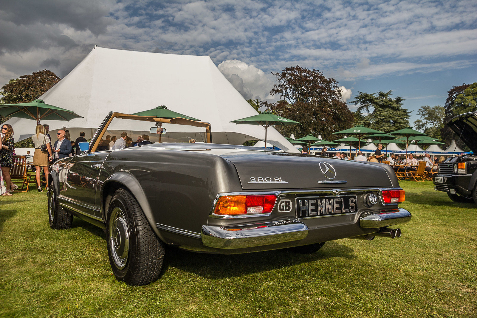 1968 Mercedes-Benz 280 SL Roadster in Anthracite Grey by Hemmels For Sale (picture 2 of 6)