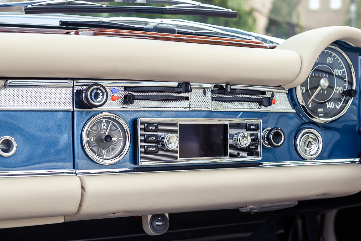 1970 Mercedes-Benz 280 SL Roadster in Blue Metallic by Hemmels For Sale (picture 5 of 6)