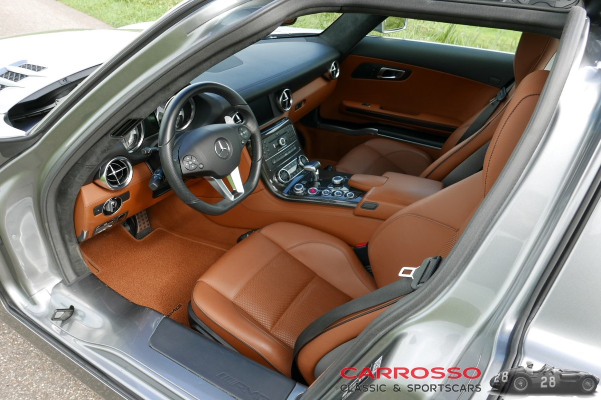 2011 Mercedes Benz SLS AMG Original Dutch car with only 42.916 KM For Sale (picture 4 of 6)