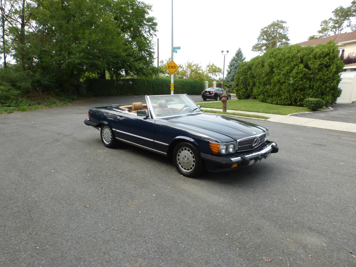 1988 Mercedes 560SL Two Tops Low Miles A Driver - For Sale (picture 1 of 6)