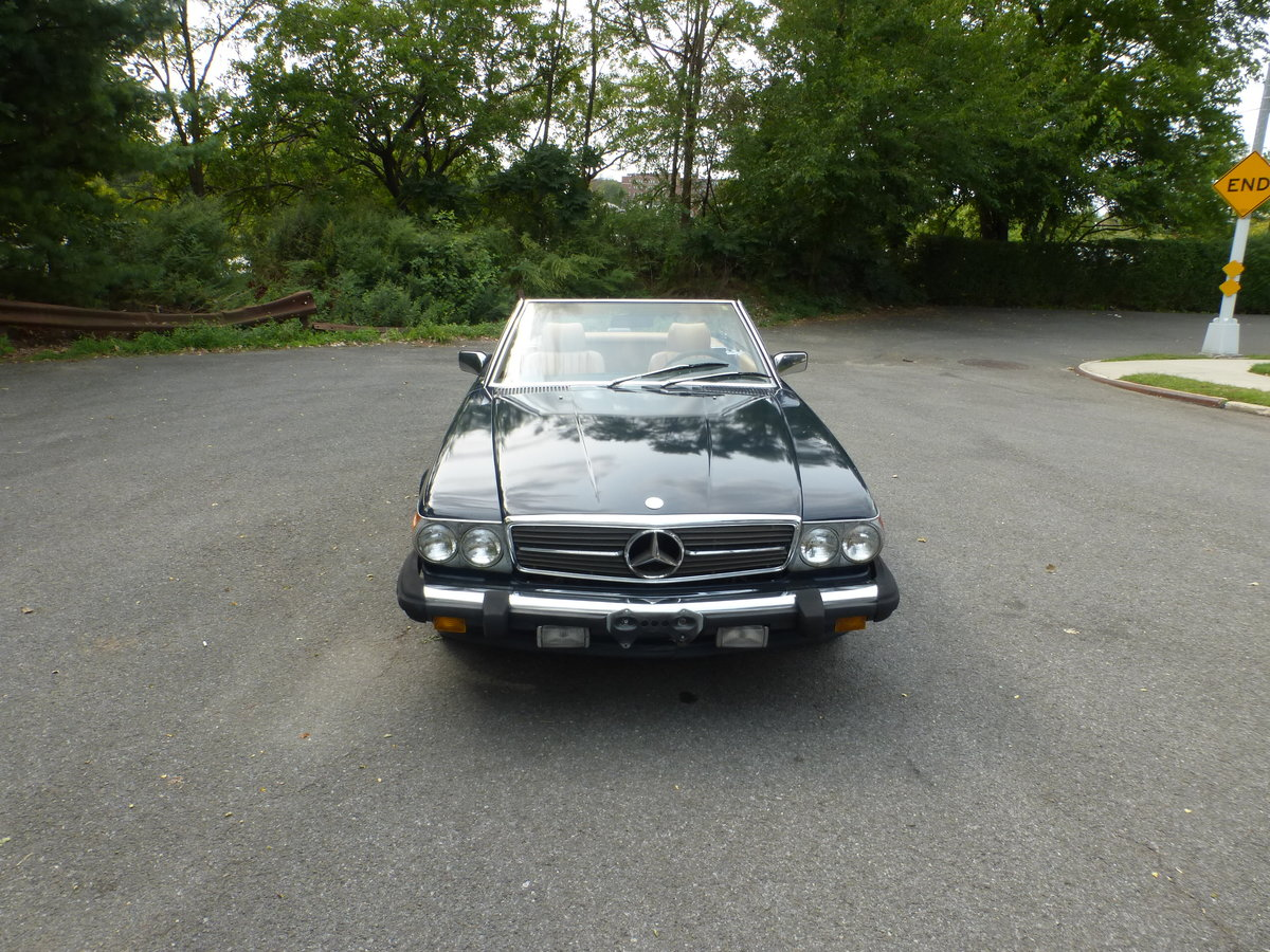 1988 Mercedes 560SL Two Tops Low Miles A Driver - For Sale (picture 2 of 6)