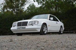 1994 Mercedes-Benz E220 Auto