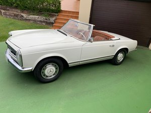 Picture of 1967 MERCEDES 230 SL PAGODA