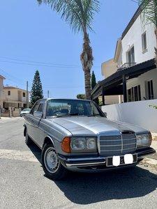 Mercedes Benz 1983 ????  W123, 230E, 2300 cc Petrol