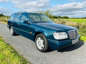 MERCEDES W124 ESTATE VERY LOW MILEAGE FULL SERVICE HISTORY
