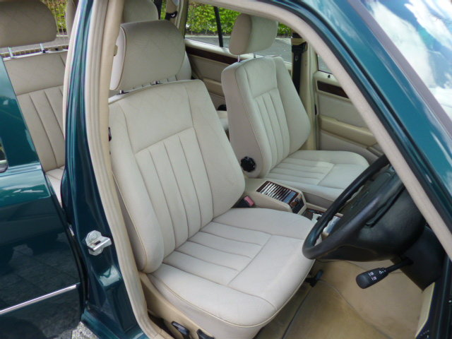 1996 MERCEDES W124 ESTATE VERY LOW MILEAGE FULL SERVICE HISTORY For Sale (picture 3 of 6)