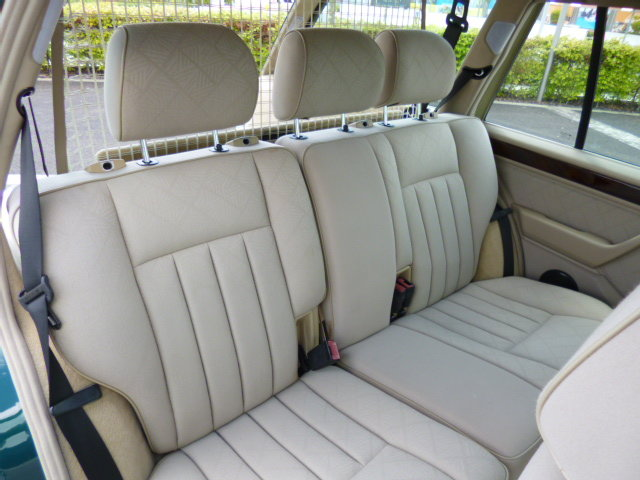 1996 MERCEDES W124 ESTATE VERY LOW MILEAGE FULL SERVICE HISTORY For Sale (picture 4 of 6)