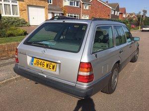 1992 Mercedes 230 TE Estate Automatic silver/grey