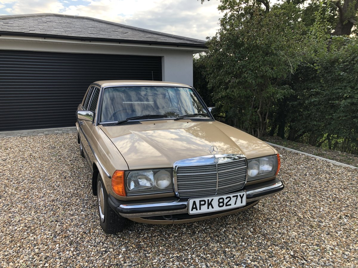 1983 Mercedes 230E. W123 (1 owner from new) For Sale (picture 2 of 6)