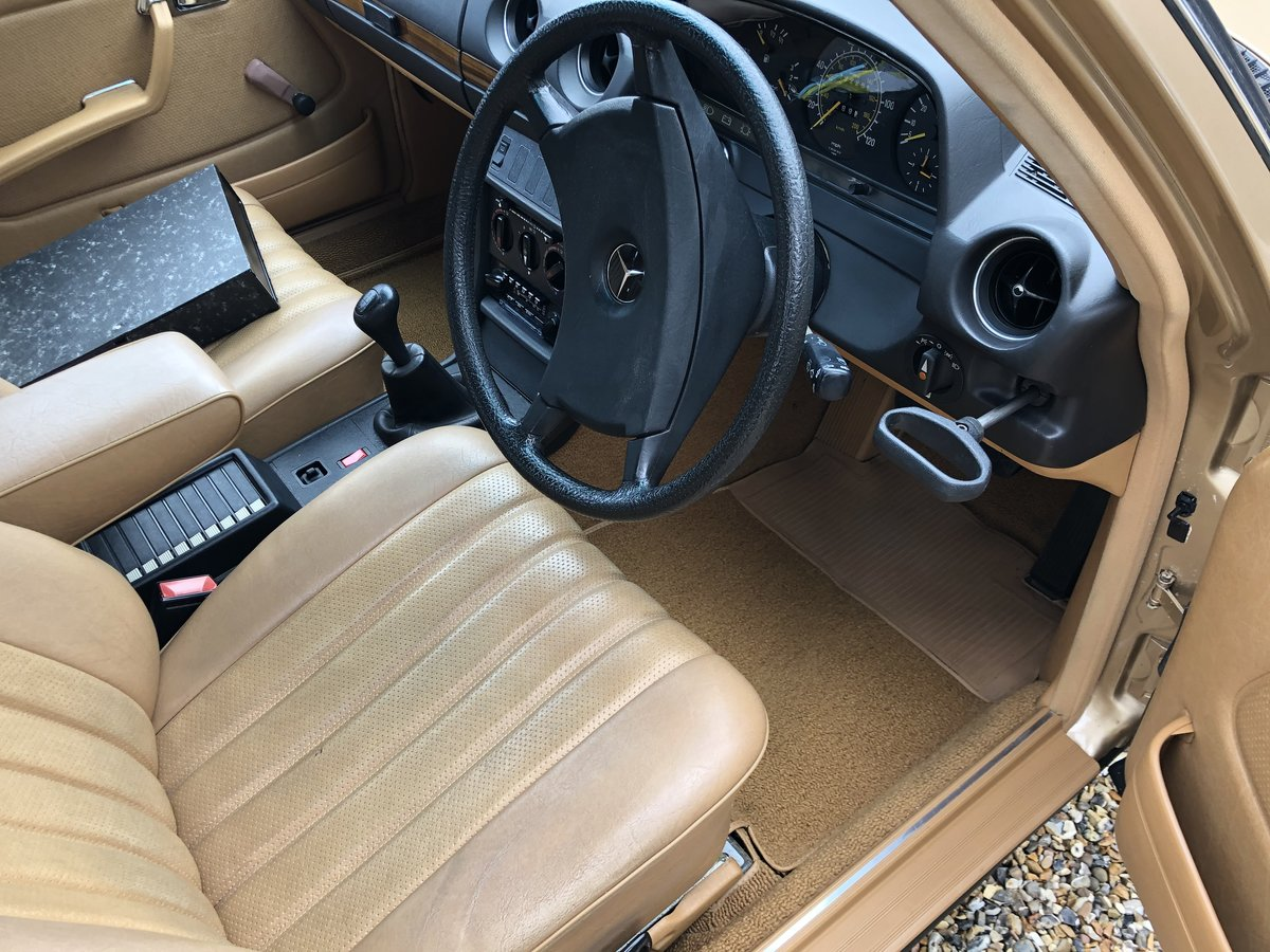 1983 Mercedes 230E. W123 (1 owner from new) For Sale (picture 4 of 6)