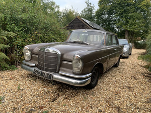 Mercedes 220 Fintail, Very rare RHD Manual
