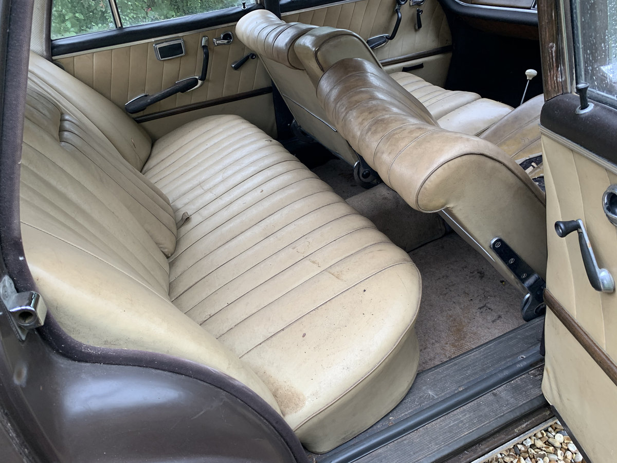 1964 Mercedes 220 Fintail, Very rare RHD Manual For Sale (picture 5 of 6)
