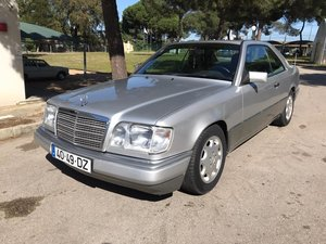 Picture of 1995 Mercedes E 220 Coupê For Sale