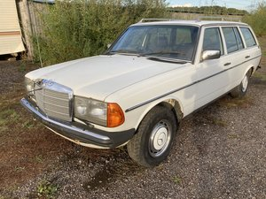 Picture of 1983  MERCEDES w123 200 t ESTATE manual; rare car ideal project