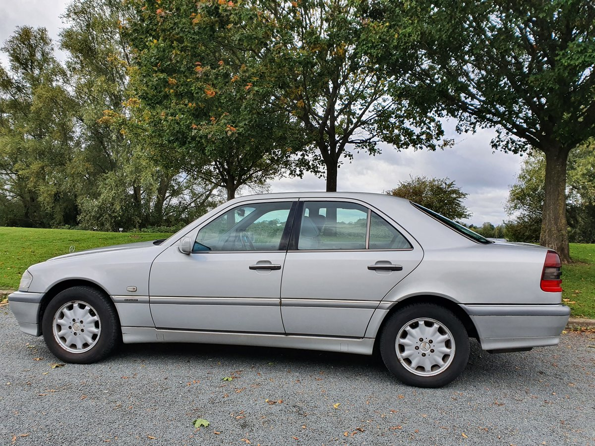 2000 Mercedes C200 Elegance Auto, Just 42K Miles For Sale (picture 2 of 6)