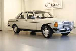 Picture of 1982 Mercedes 200 2,0 For Sale
