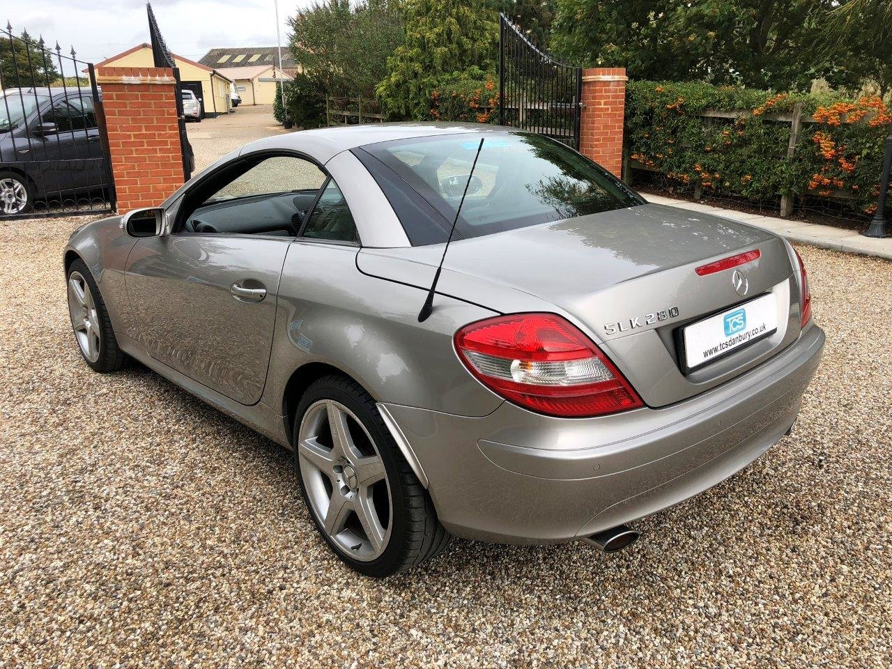 2006 Mercedes SLK280 Sport 6-Speed Manual Roadster W171 For Sale (picture 2 of 6)