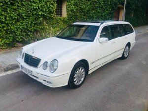 Picture of 2002 Mercedes-Benz E320 4MATIC AVANTGARDE  For Sale