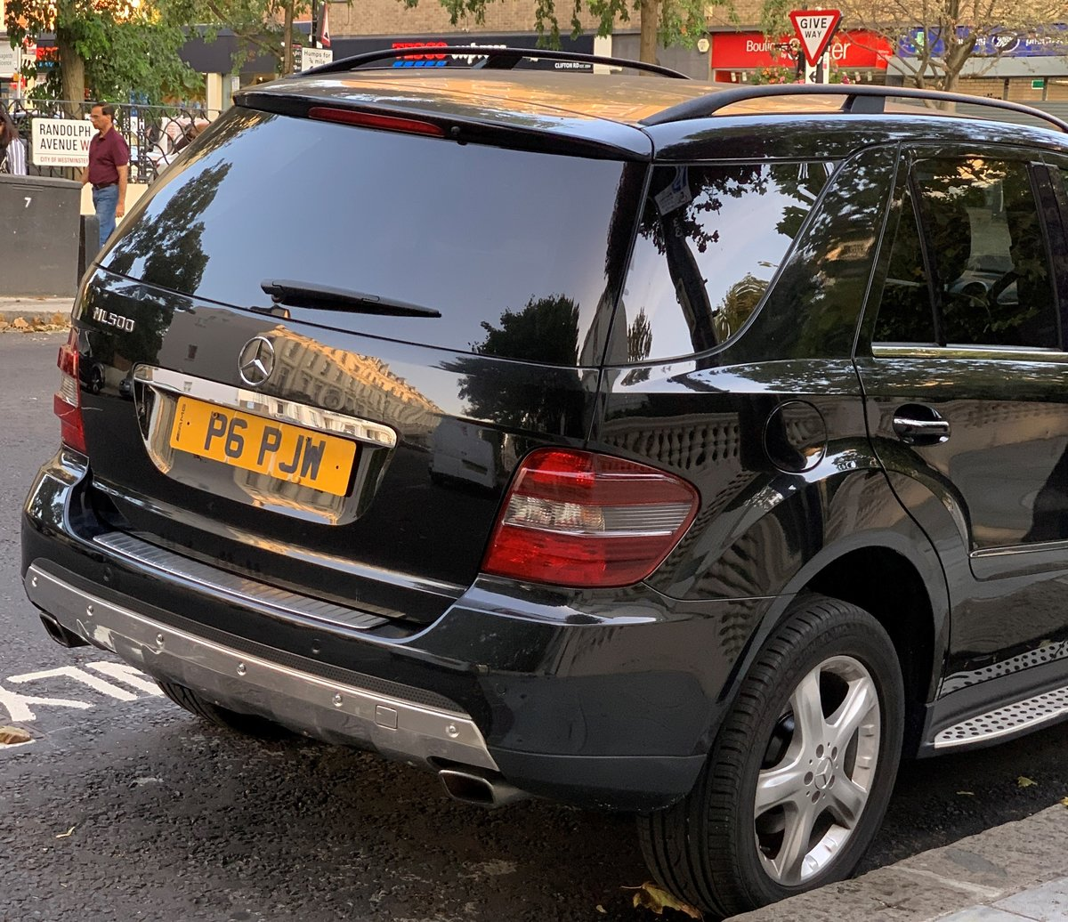 2006 Mercedes 5.0 ML500 Sport 7G-Tronic 4x4 5dr Petrol For Sale (picture 2 of 6)