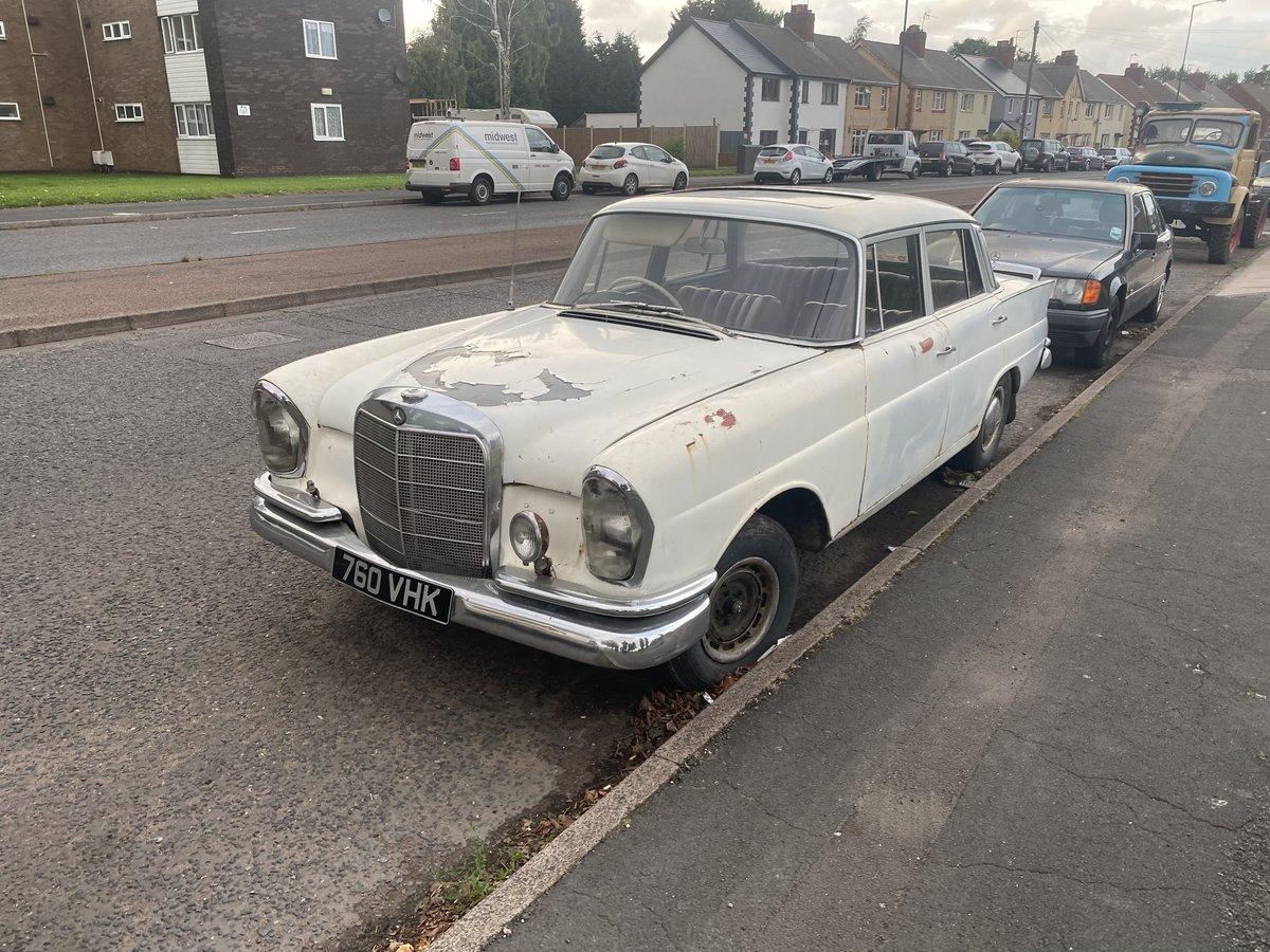 1961 Mercedes 220SE For Sale (picture 1 of 6)