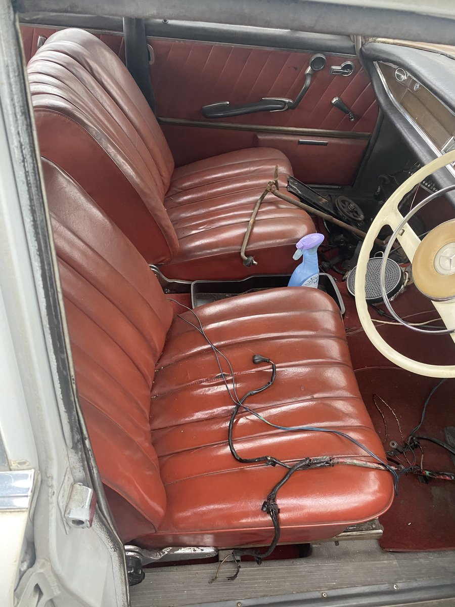 1961 Mercedes 220SE For Sale (picture 4 of 6)