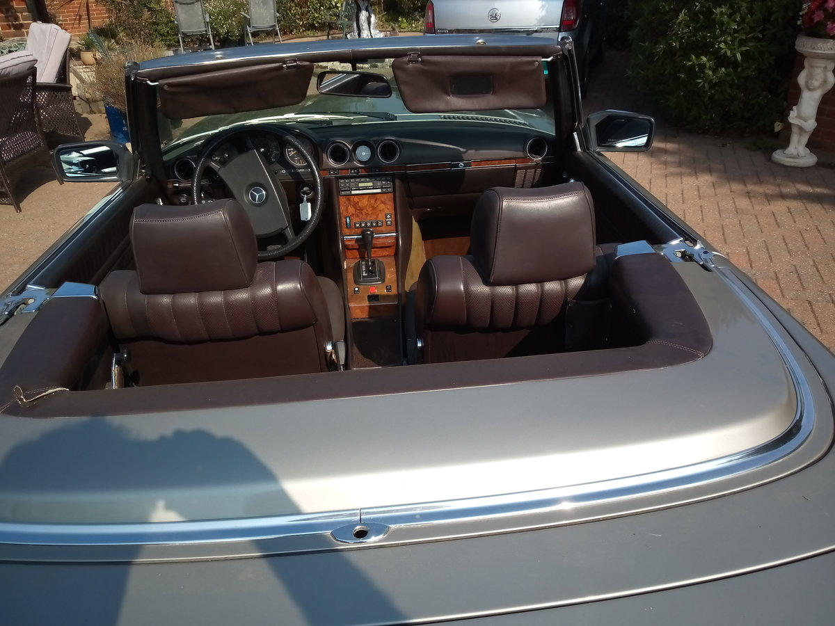 1985 Mercedes 380SLConvertible For Sale (picture 1 of 6)