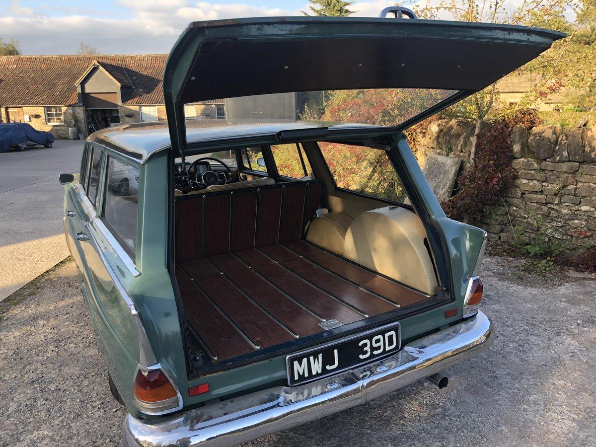 https://uploads.carandclassic.co.uk/uploads/cars/mercedes/13773091.jpg
