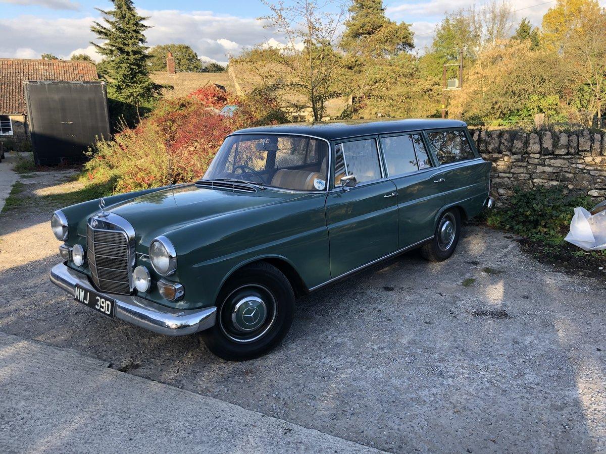 https://uploads.carandclassic.co.uk/uploads/cars/mercedes/13773093.jpg