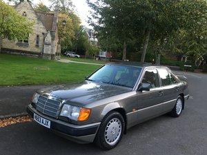 Picture of 1991 Mercedes 300E w124