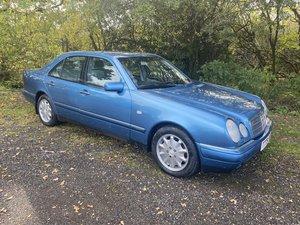 Rare exceptional Mercedes E300 td 606