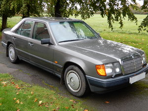 Picture of 1989 Mercedes Benz 230E For Sale