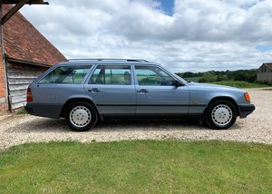 Picture of 1986 Immaculate Mercedes-Benz S124 230TE. Recent restoration.
