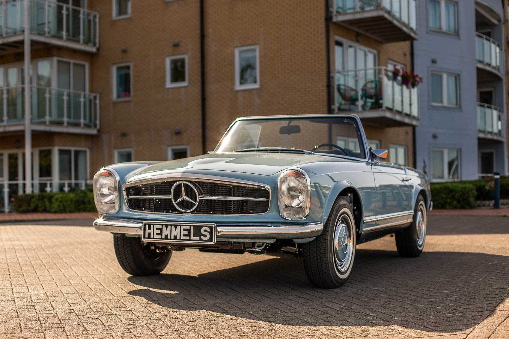 1970 Mercedes-Benz 280 SL Roadster in Horizon Blue by Hemmels For Sale (picture 1 of 6)