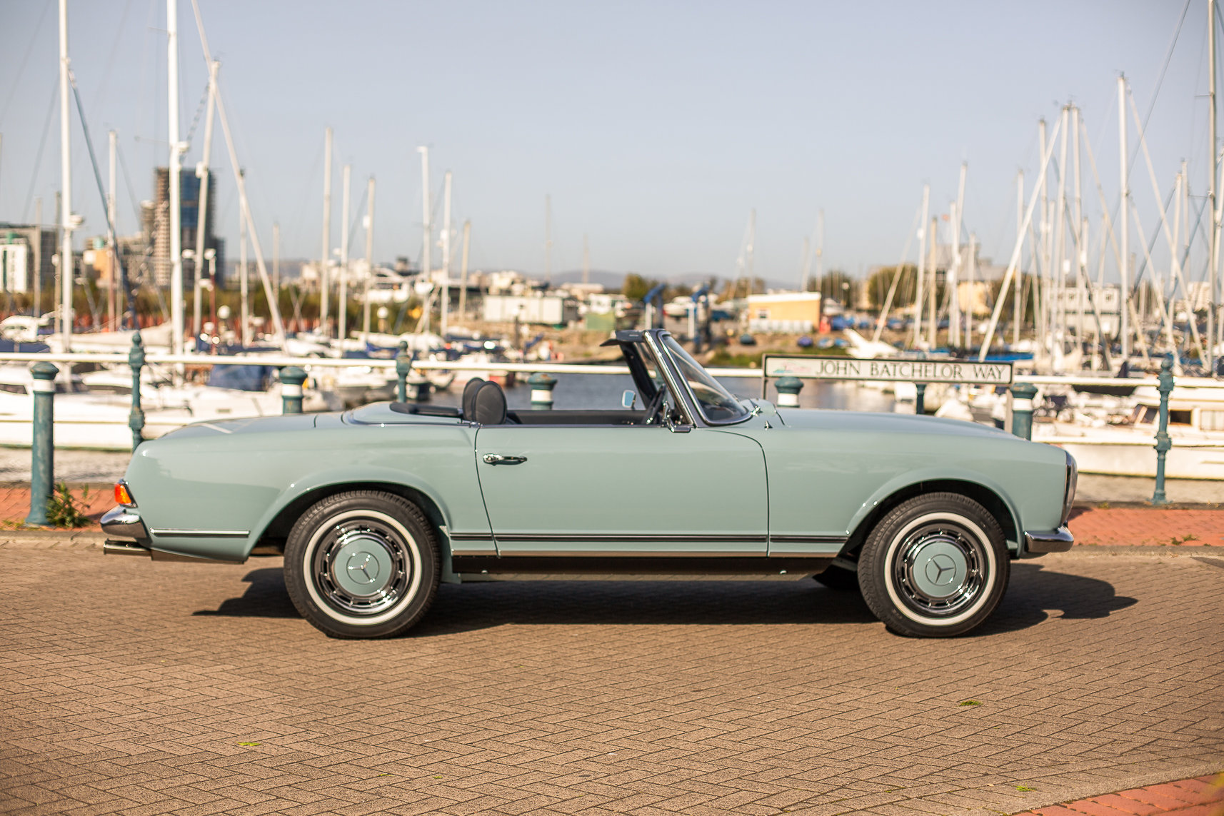 1970 Mercedes-Benz 280 SL Roadster in Horizon Blue by Hemmels For Sale (picture 4 of 6)