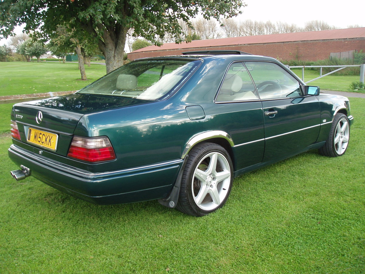 1995 MERCEDES E CLASS RARE 2 DOOR PILLARLESS COUPE 2.2 AUTO For Sale (picture 3 of 6)