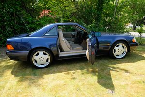 Mercedes SL500 R129 V8 with Factory Hard Top