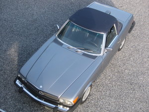 Picture of 1987 Mercedes SL 560 Cabrio 87 ,4 places  in  Pearl Grey Metallic