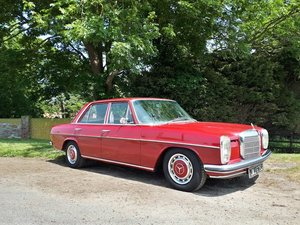 1970 Mercedes W115 220