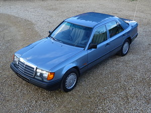 Mercedes W124 300E Auto – Time Warp Example