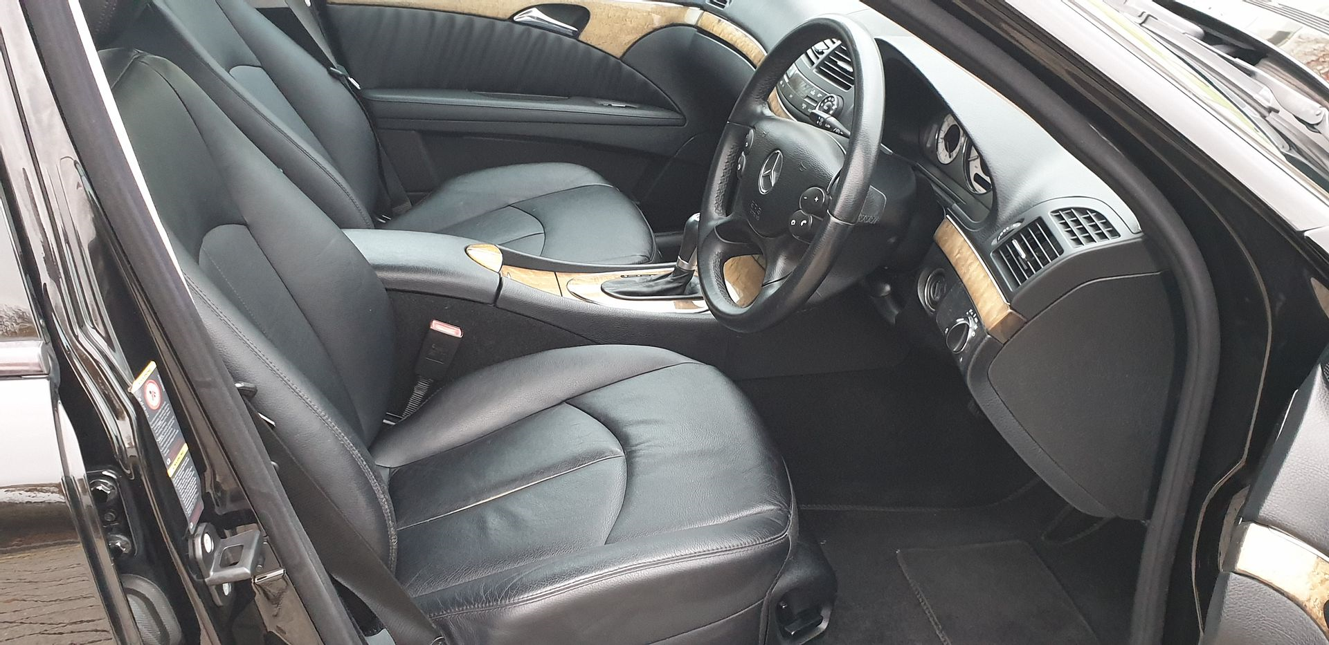 2009 Mercedes e220 cdi avantgarde estate 1 prev owner For Sale (picture 5 of 6)