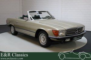 Picture of Mercedes-Benz 350SL convertible V8 engine 1972