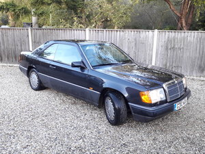 Picture of 1989 Mercedes (C124) 300CE