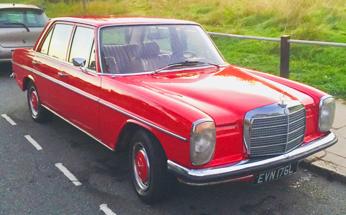 1973 Mercedes 220D W115 W114 /8 For Sale (picture 1 of 6)