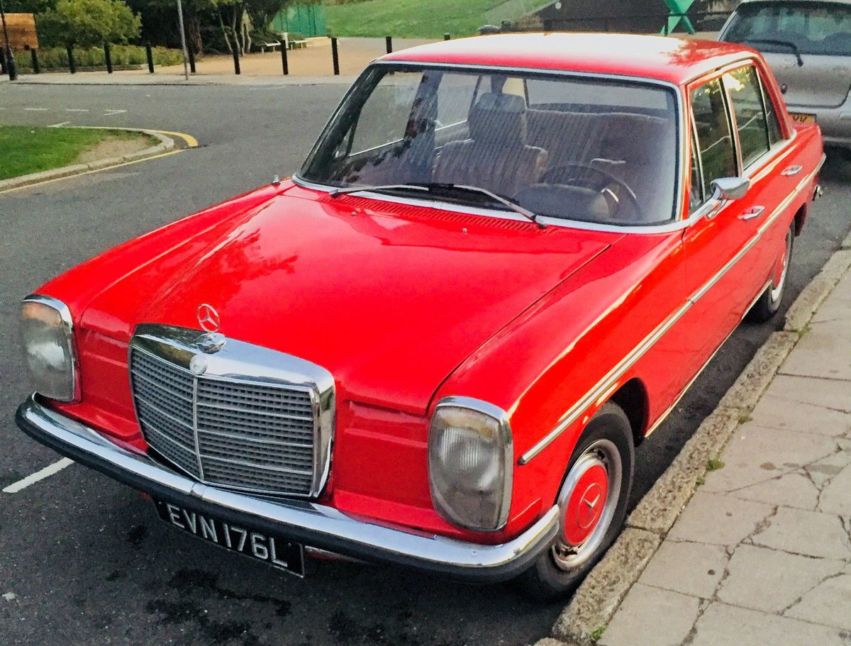 1973 Mercedes 220D W115 W114 /8 For Sale (picture 2 of 6)